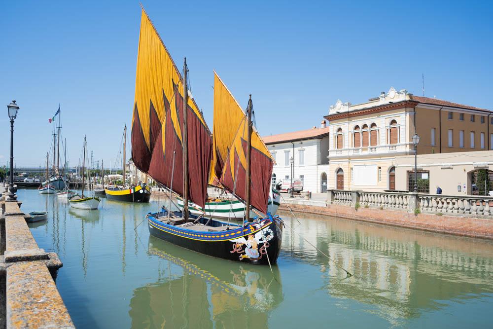 Il Porto canale di Cesenatico e le sue vele