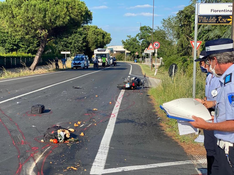 Incidente a Sala: grave un motociclista