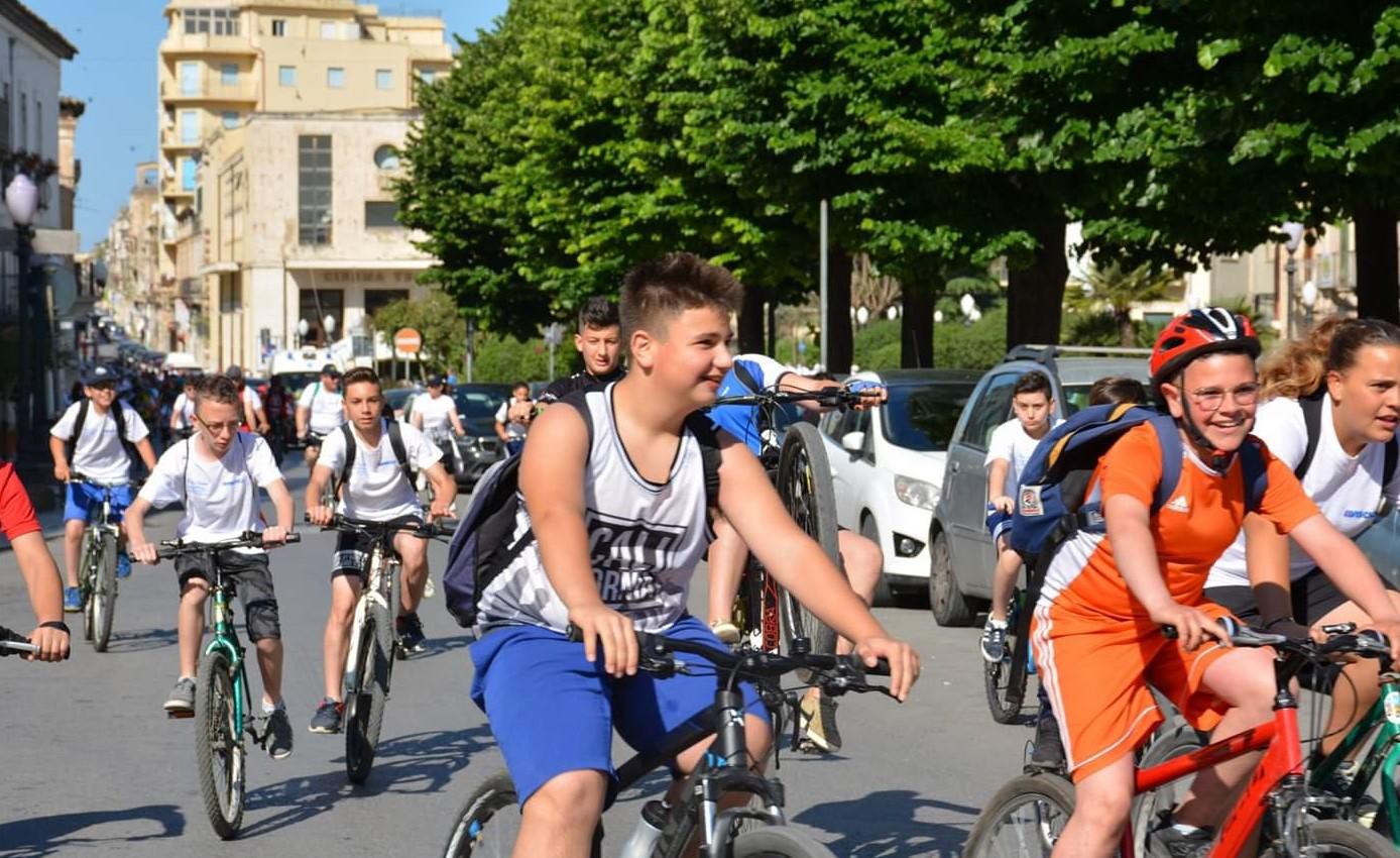 """Domani la ciclo-pedalata """"green"""" con gli studenti delle medie"""