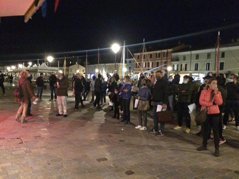 manifestazione a Cesenatico contro il DPCM