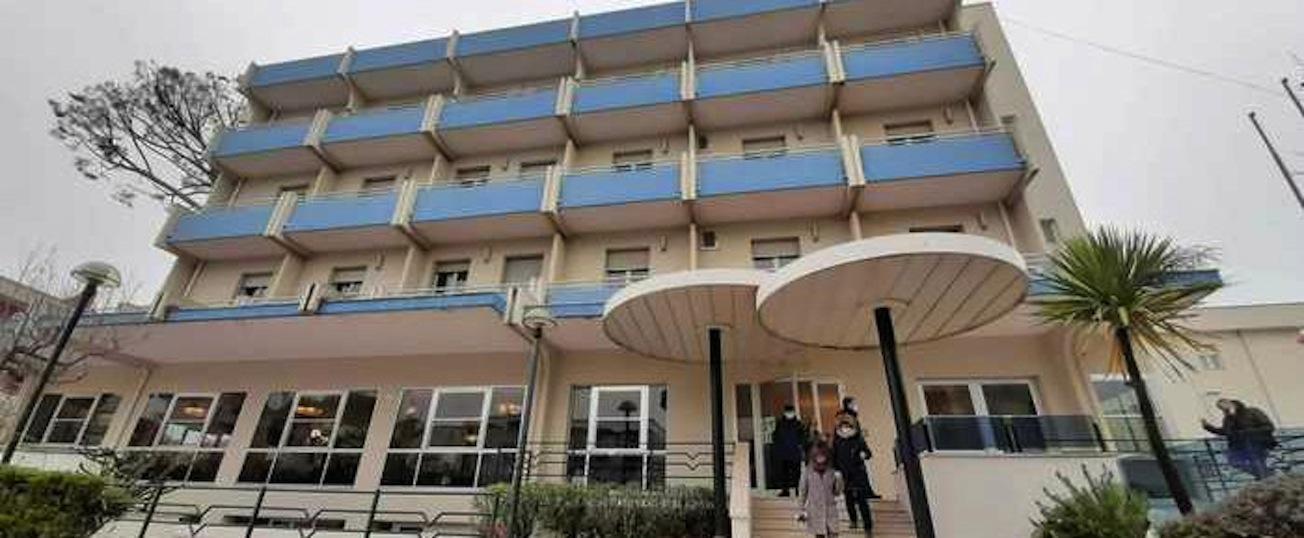 Inaugurato a Rimini un hotel per senzatetto