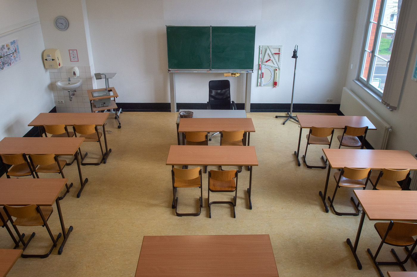 Gestione dei contagi a scuola: quarantena scende a 10 giorni