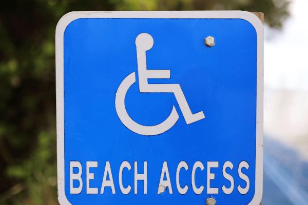 accesso disabili in spiaggia